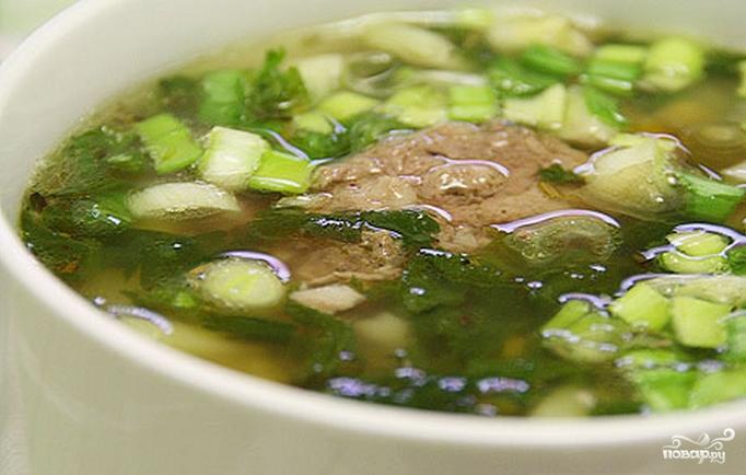 Оно может стать дежурным на кухне, когда нужно быстро приготовить горячее первое блюдо, добавить ему сытности за счет добавления к нему тушенки.
